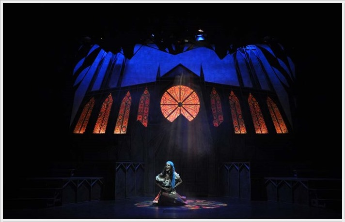 EL JOROBADO DE NOTRE DAME en el Teatro Sanpol
