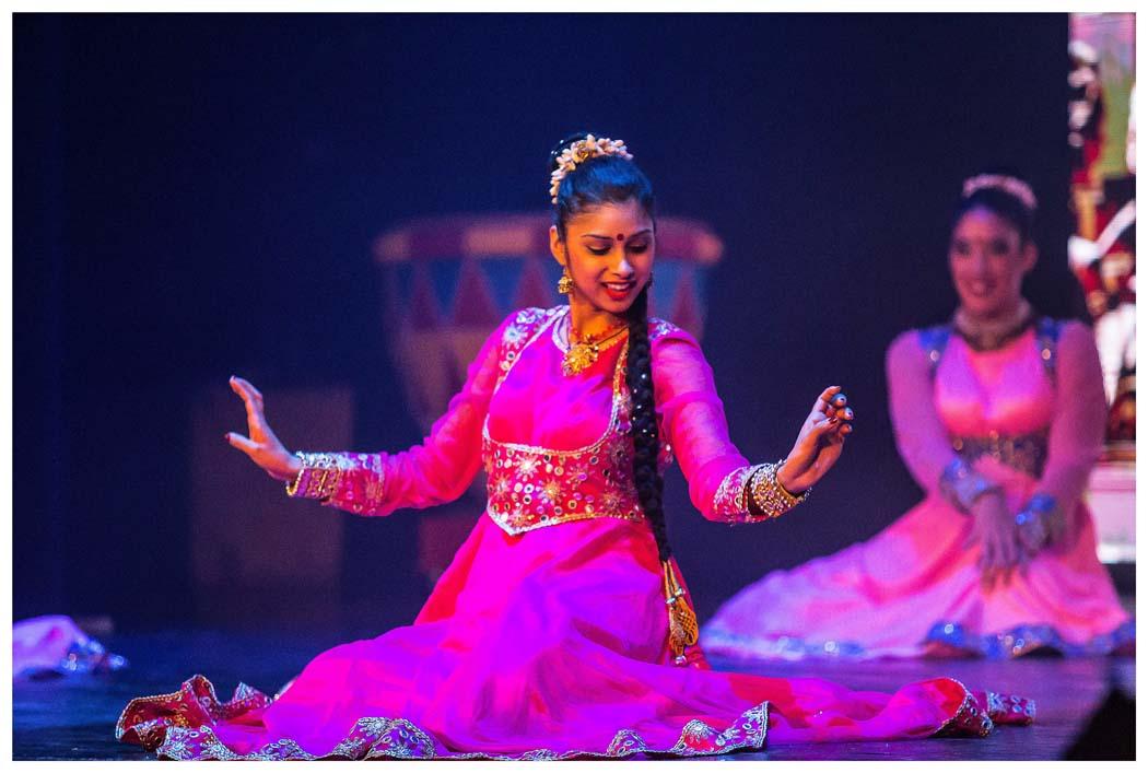 BOLLYWOOD COLOURS OF INDIA en el Teatro de la Luz Philips