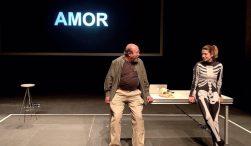 UN PAÍS SIN DESCUBRIR DE CUYOS CONFINES NO REGRESA NINGÚN VIAJERO en el Teatro de la Abadía